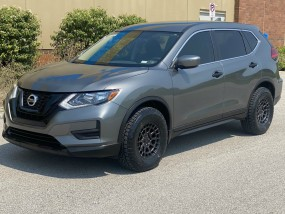 2017 Nissan Rogue S Off Road in Chesterfield, Missouri