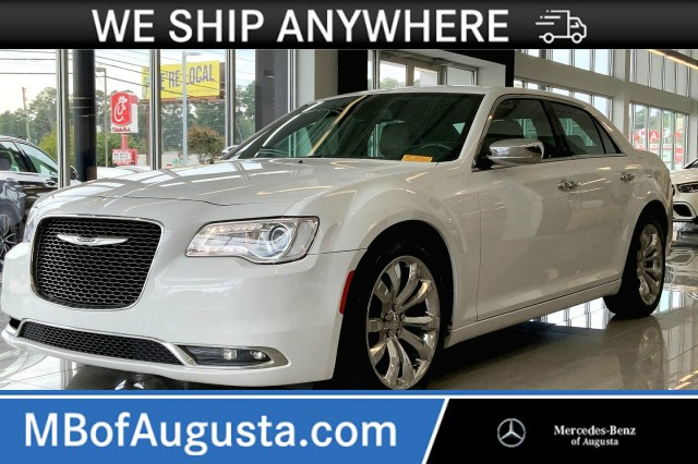 Pre-Owned 2019 Chrysler 300 Limited-Apple CarPlay-Android Auto