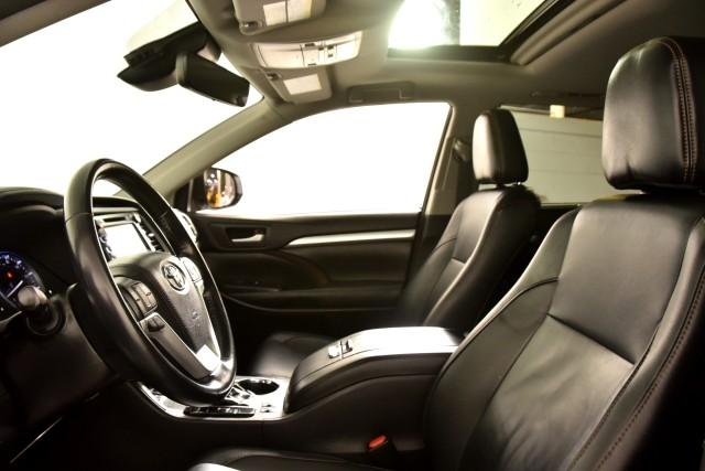 Certified Pre-Owned 2018 Toyota Highlander Hybrid Hybrid XLE