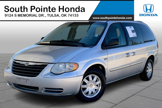 Used 2007 Chrysler Town & Country LWB