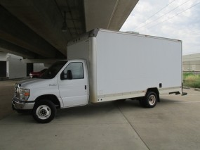 2013 Ford Econoline Commercial Cutaway E-450  in Farmers Branch, Texas