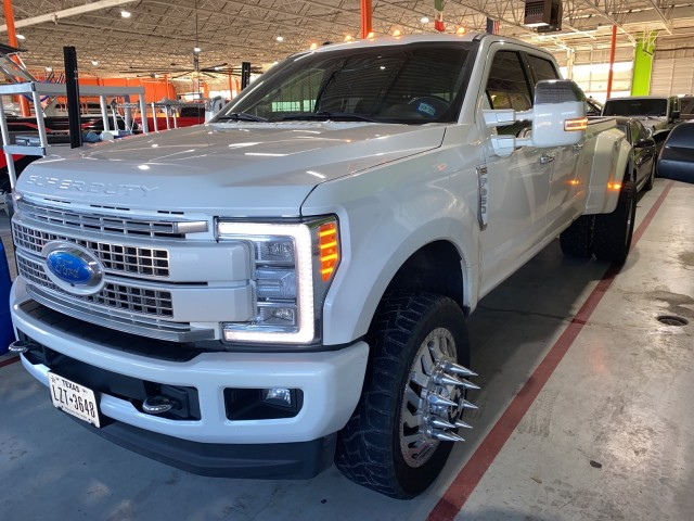 2017 Ford Super Duty F-350 DRW Platinum in Ft. Worth, Texas