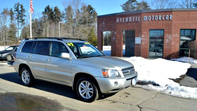 2007 Toyota Highlander Hybrid Limited w/3rd Row in Wiscasset, ME