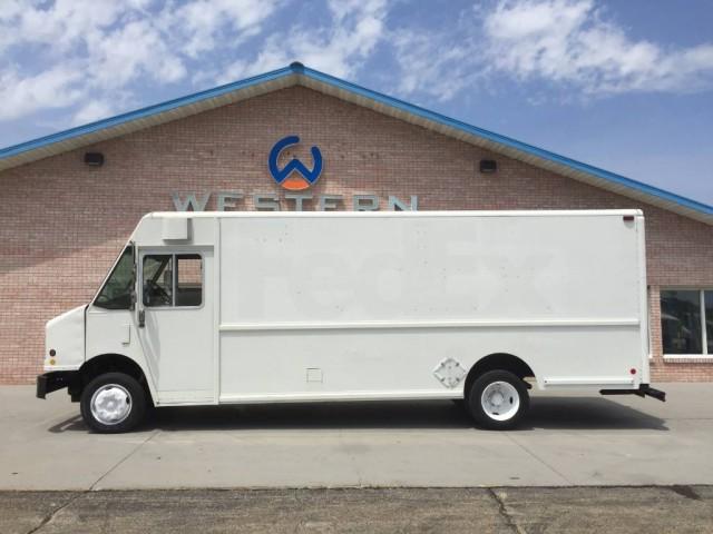 2000 Freightliner P1000 Step Van