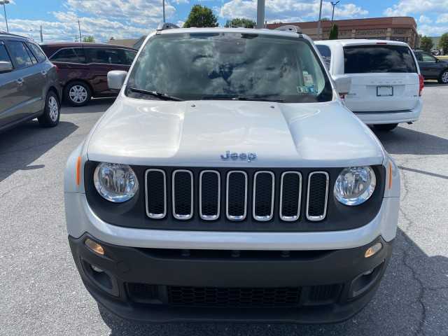 2015-Jeep-Renegade-Latitude-SUV