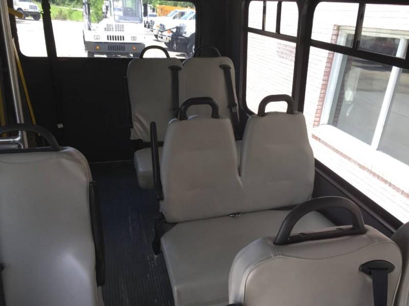 2007  Express Commercial Cutaway C7L DRW