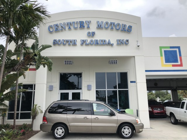 2005 Ford Freestar Wagon SEL 1 OWNER LOW MILES in pompano beach, Florida