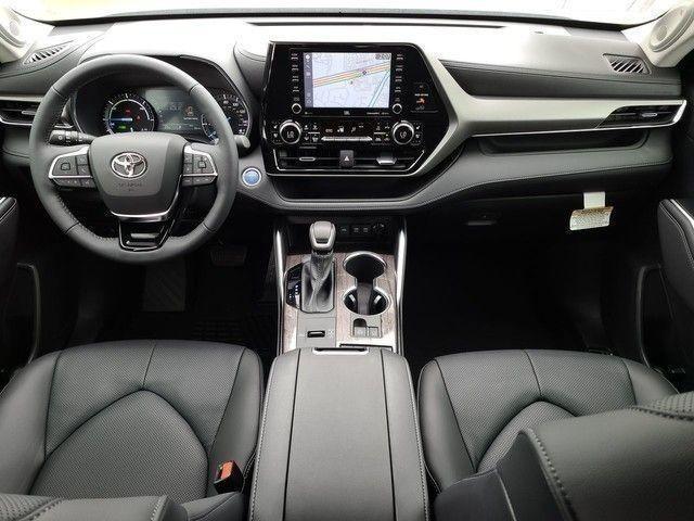 New 2020 Toyota Highlander Hybrid Limited