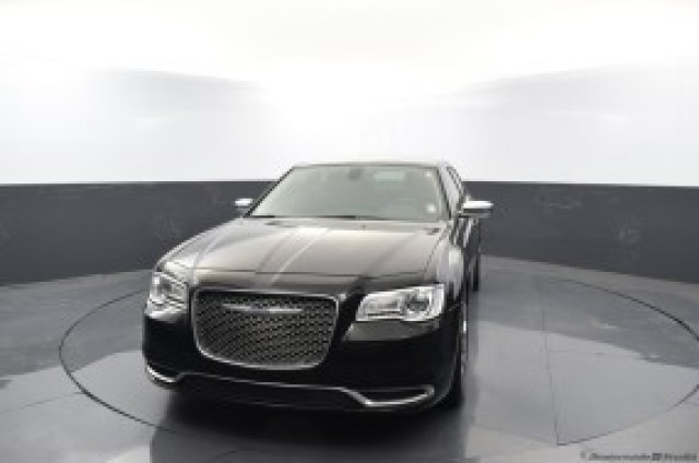 Used 2019 Chrysler 300