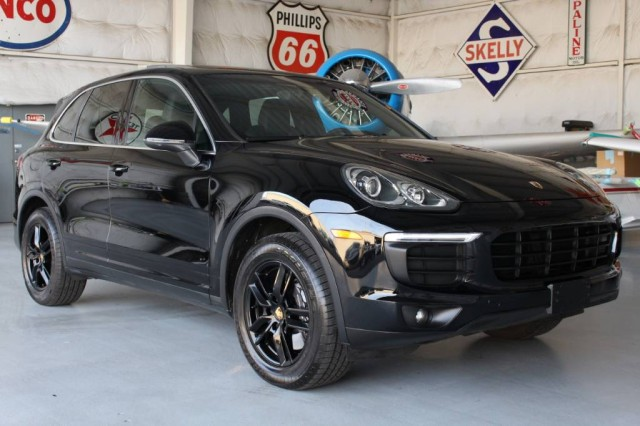 2016 Porsche Cayenne  in Addison, TX