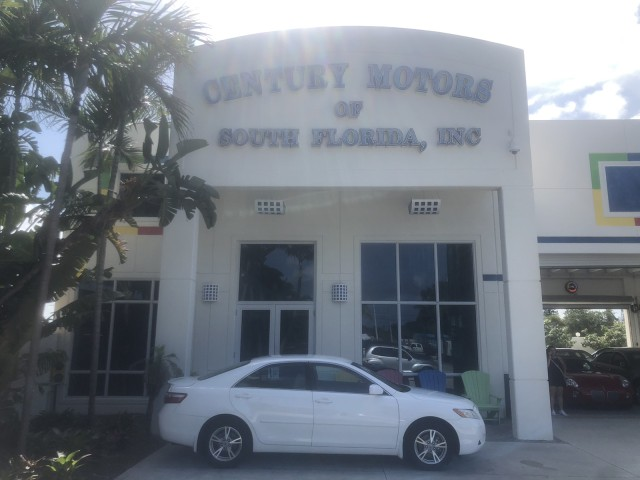 2009 Toyota Camry WARRANTY 14 SERVICES LE 1 OWNER LOW MILES 37,734 in pompano beach, Florida