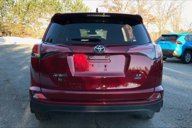 Certified Pre-Owned 2018 Toyota RAV4 LE**TOYOTA CERTIFIED!!**
