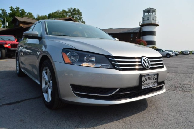 Used 2012 Volkswagen Passat SE w/Sunroof & Nav PZEV Sedan for sale in Geneva NY
