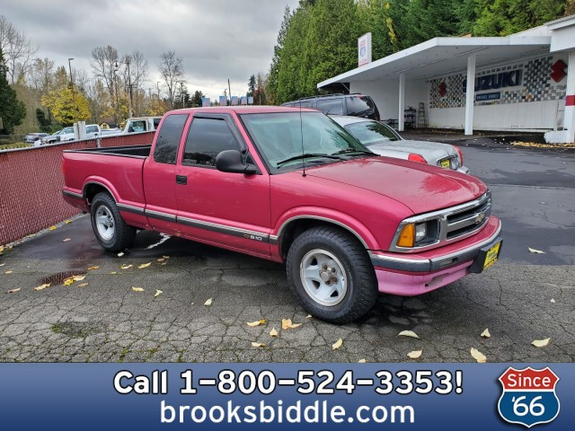 Pre-Owned 1995 Chevrolet S-10 LS