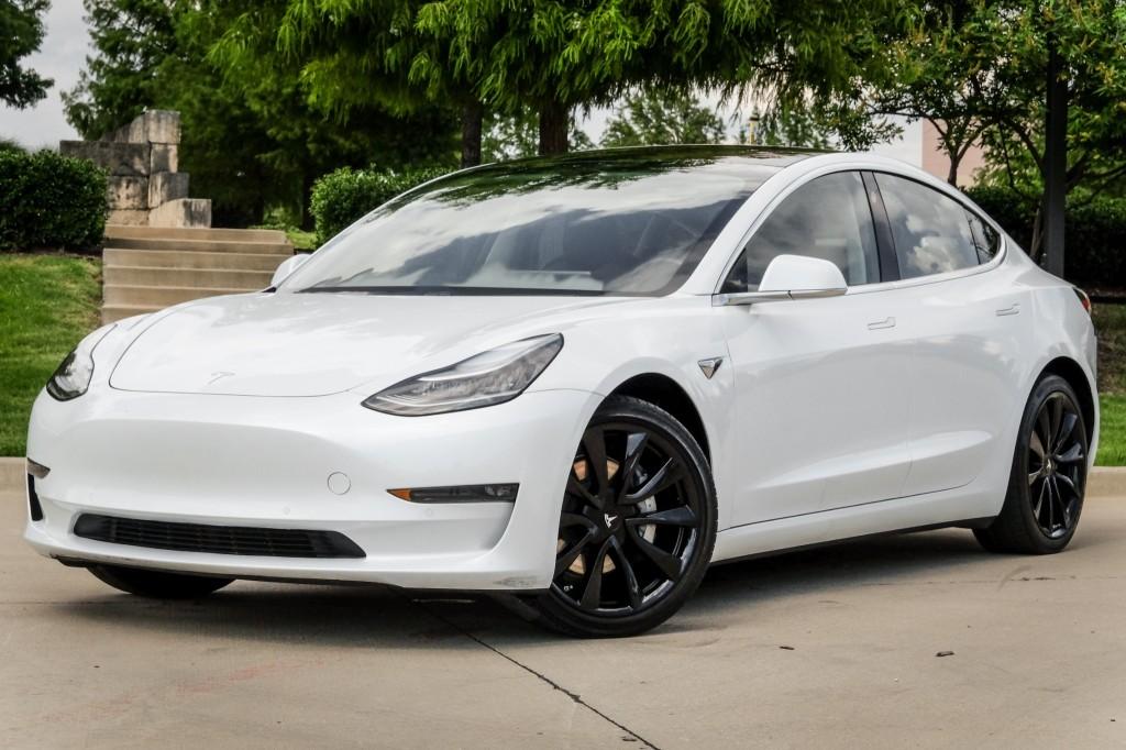 Pre-Owned 2018 Tesla Model 3 AWD LongRangeBattery PanoRoof 19''Wheels BackUpCam Nav
