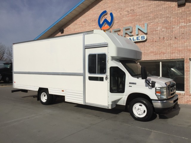 2009 Ford E350 Delivery Van
