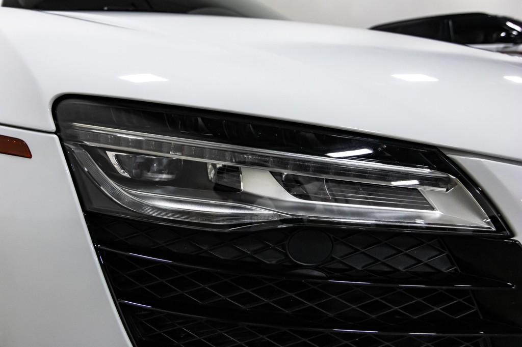Pre-Owned 2015 Audi R8 V10 QUATTRO S-TRONIC CarbonFiber DUAL CLUTCH BlackOpticPKG NavPLUS AWD