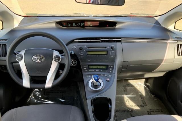 Pre-Owned 2010 Toyota Prius II Hatchback *New brakes, Keyless start, Power windows & door locks, CD Player, Rear spoiler, Premium wheels