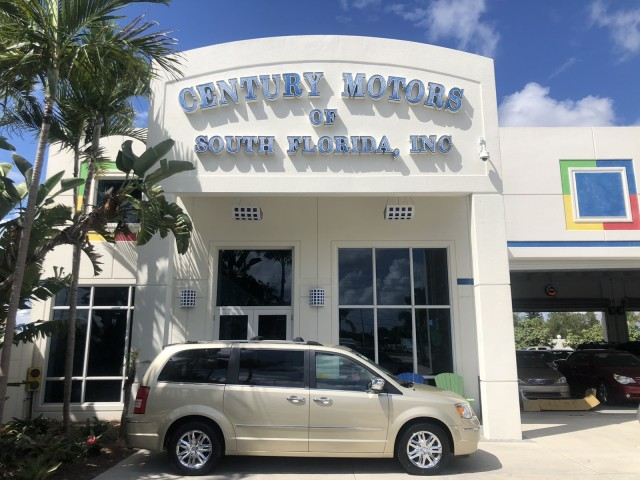 2010 Chrysler Town & Country Limited 7 PAS in pompano beach, Florida