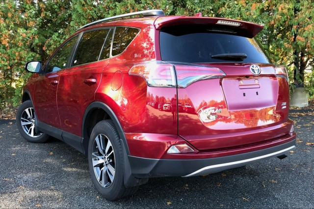 Certified Pre-Owned 2018 Toyota RAV4 XLE**TOYOTA CERTIFIED!!**HEATED SEATS**HOT DEAL!!**