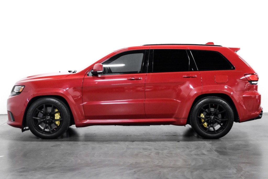 Pre-Owned 2018 Jeep Grand Cherokee Trackhawk 797WHP PanoramicSunroof 20'' Wheels