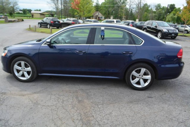 Used 2013 Volkswagen Passat TDI SE w/Sunroof & Nav Sedan for sale in Geneva NY