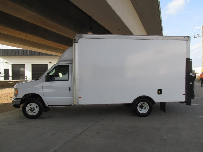 2016 Ford Econoline Commercial Cutaway  in Farmers Branch, Texas