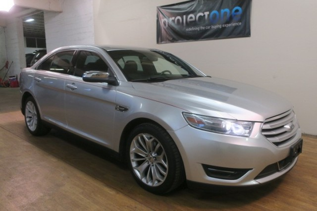2013 Ford Taurus Limited in Carlstadt, New Jersey