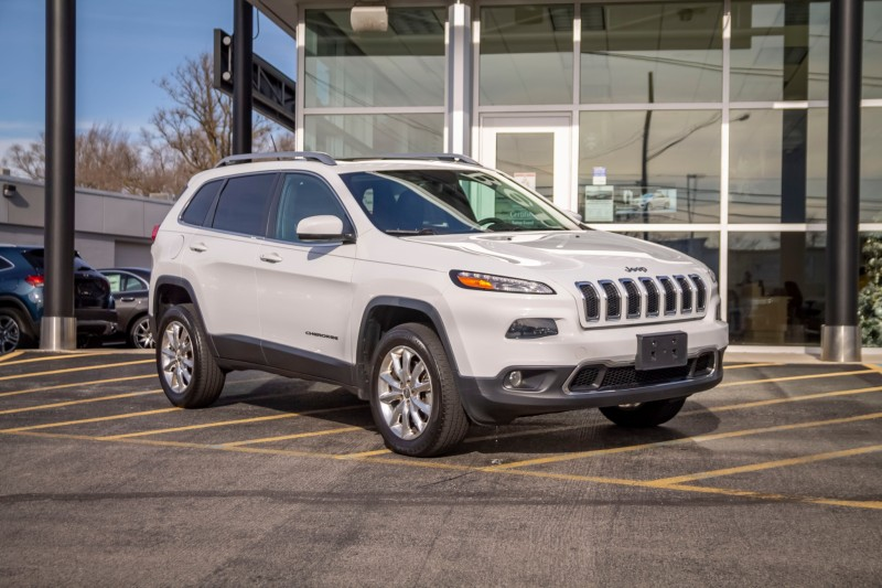 used 2015 Jeep Cherokee car, priced at $15,998